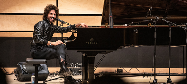 Stephan Moccio performs during JUNO Week