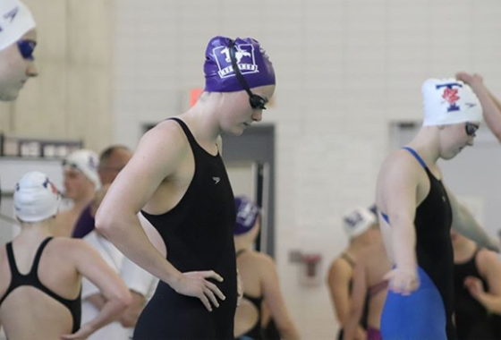 photo of Western Mustang swimmers